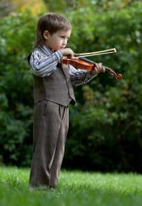 petit_garcon_joue_du_violon
