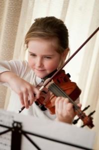 petite_fille_apprend_violon2