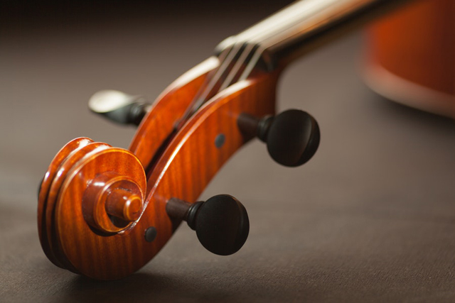 Changer les cordes de son violon